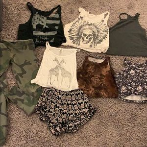 Brandy Melville Lot 6 tanks and 2 pants